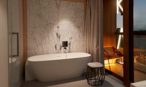hotel-jakarta-amsterdam-junior-suite-shower-douche-bad-bath-balkon-balcony-bathroom-badkamer-westcord-hotels